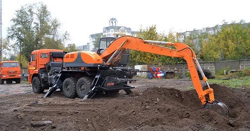 KAMAZ-43118--Excavator-E195A(3)