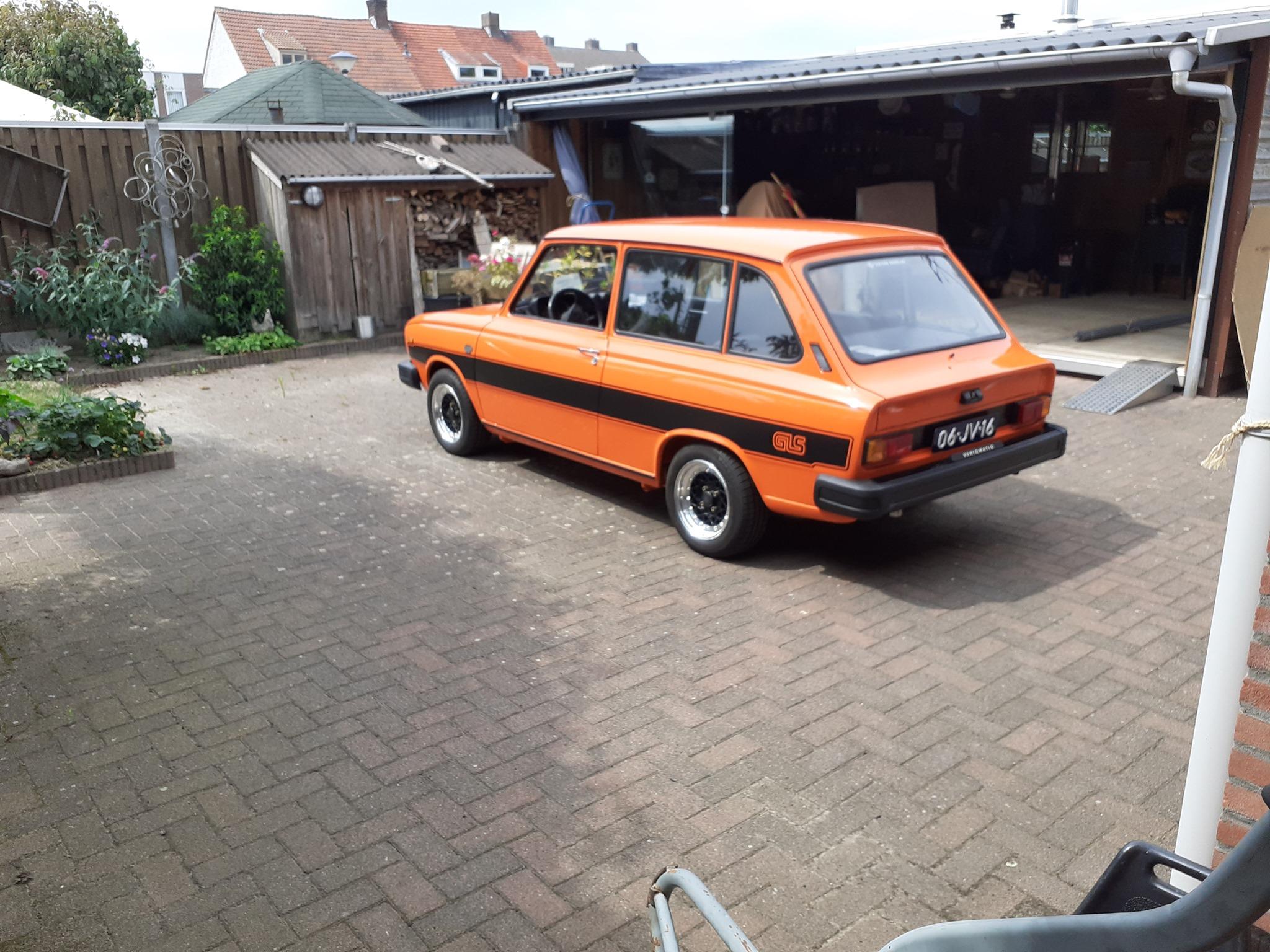 Volvo--(1)