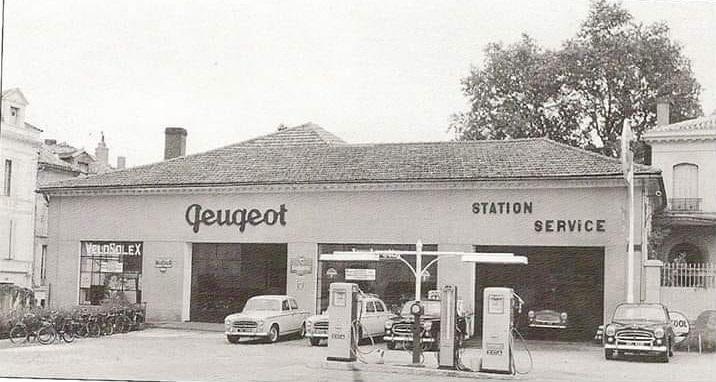 Peugeot-Ancien-concessionnaire--et-Velosolex-a-Bergerac-24