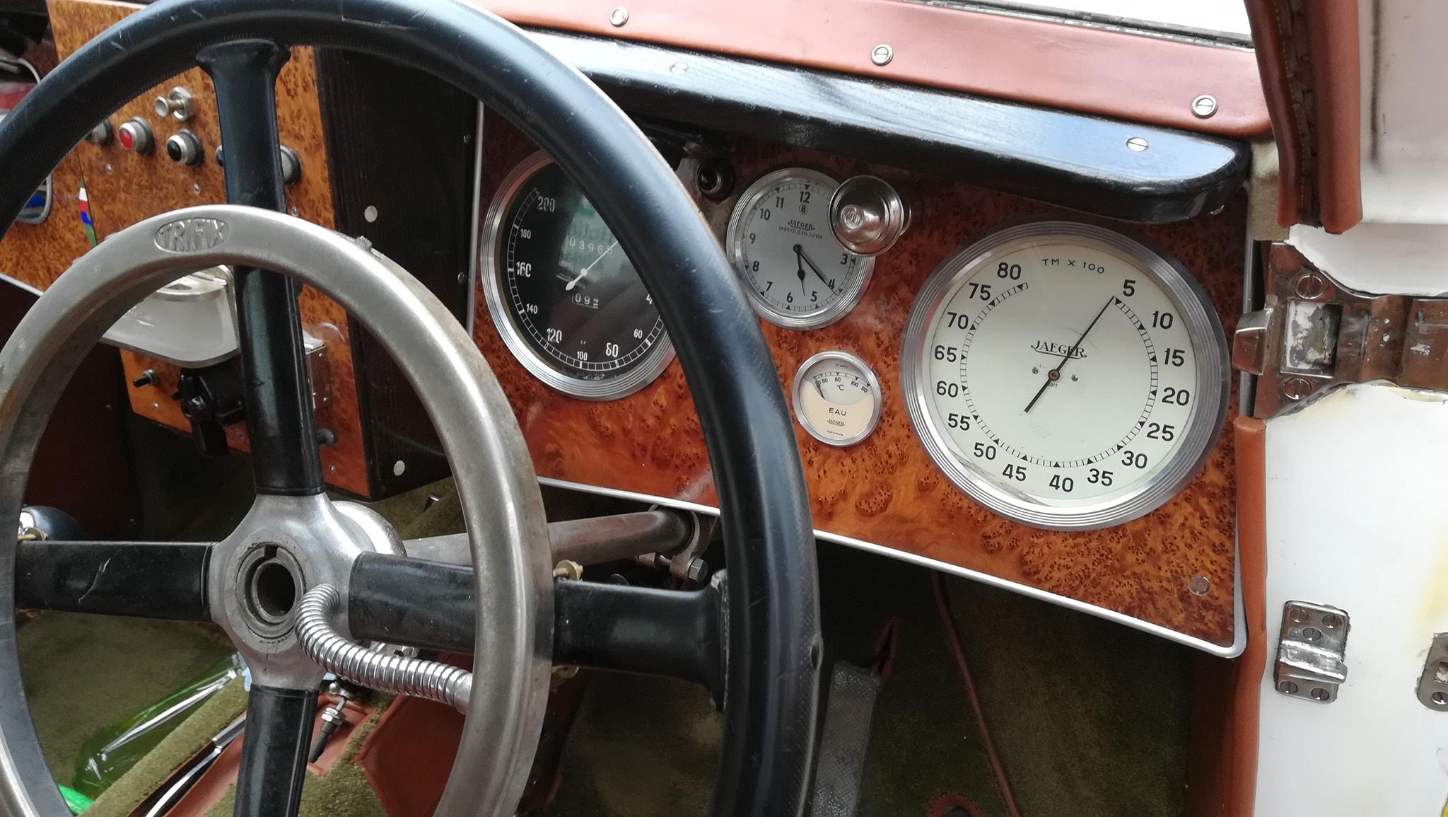 Tatra-77-1933-1934-klaar-gemaakt-voor-rally-1000-mij-in-CZ--(2)