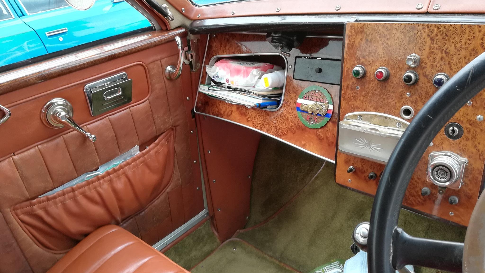 Tatra-77-1933-1934-klaar-gemaakt-voor-rally-1000-mij-in-CZ--(4)