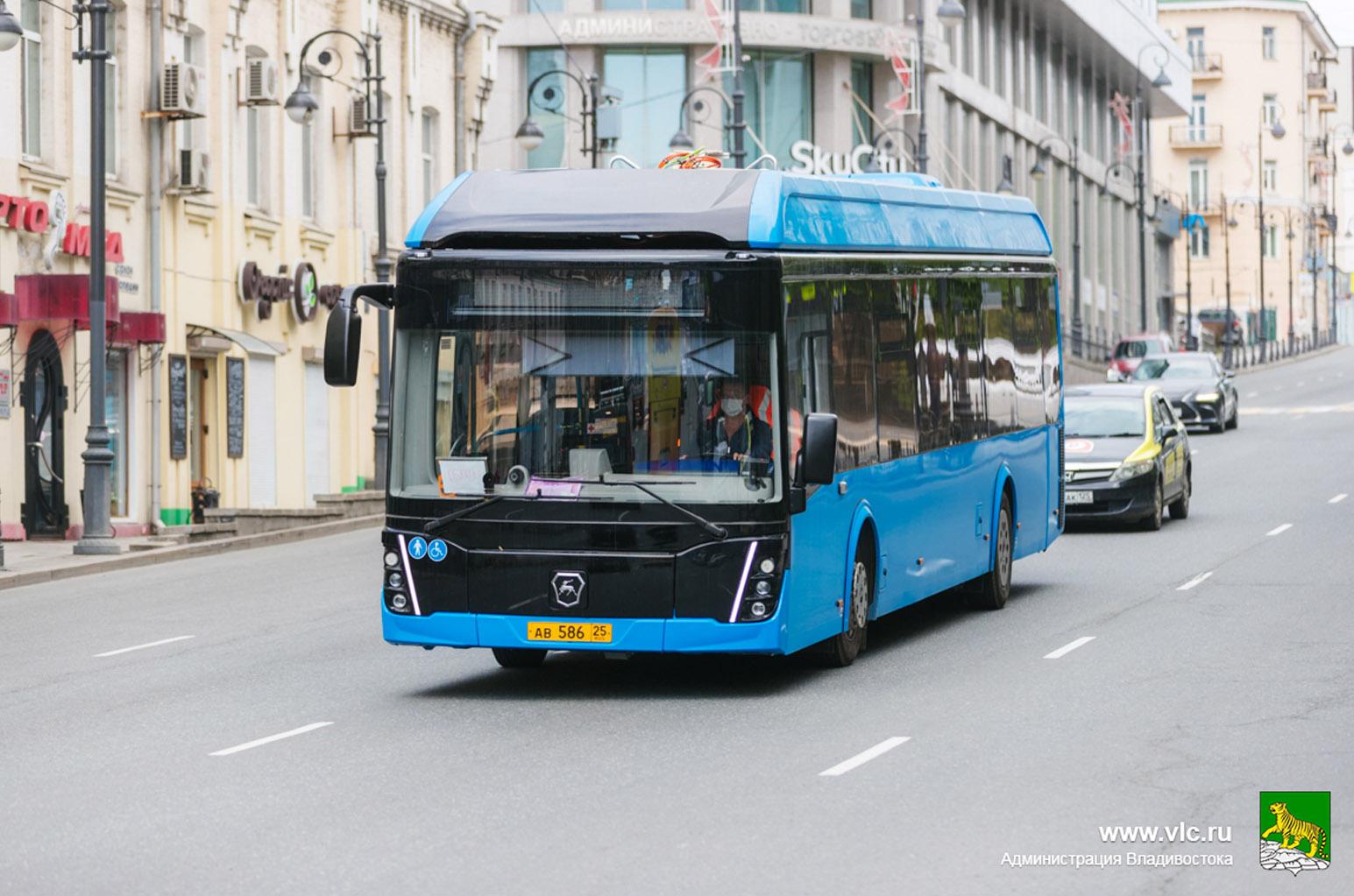 GAZ-elektrische-bussen-in-Vladivostok-proberen-hun-eerste-route-al-uit-(1)