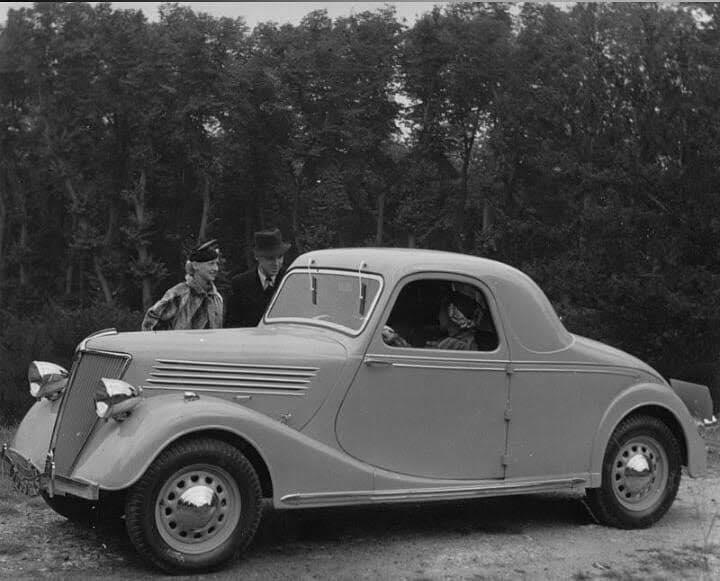 Renault---Celtaquatre-coupe