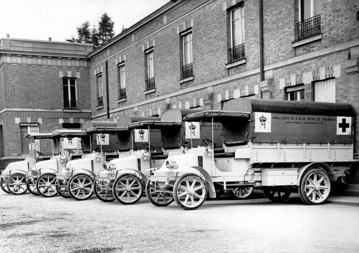 Renault-Type-EP-16-pk-Ambulances-van-1914-18