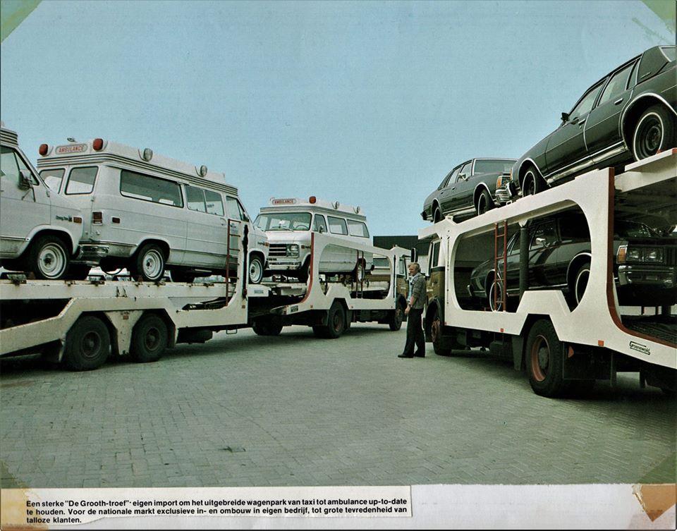 Aanvoer-nieuwe-Chevrolet-Chevy-Van-ambulances-en-Chevrolet-Caprice-Classic