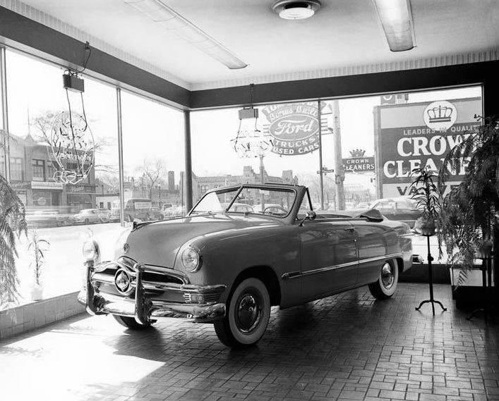 Ford-Custom-Deluxe-Cabrio--1950