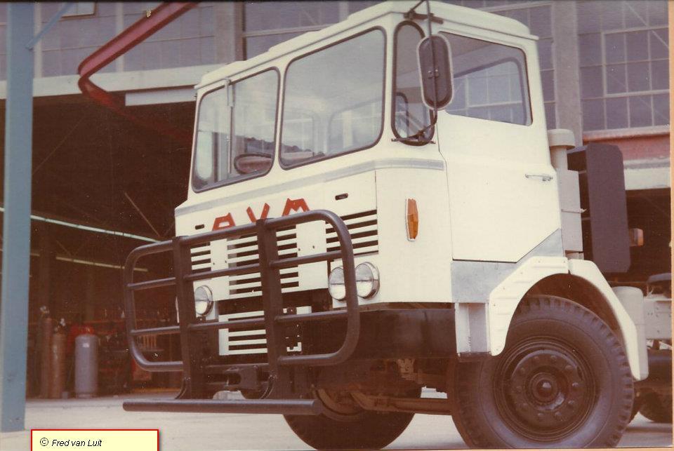 Fred-van-Luit--AVM-komt-uit-Zimbabwe--Geheel-DAF-behalve-de-cabine-(2)