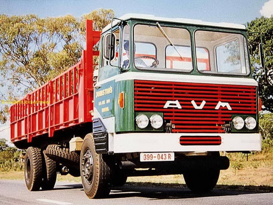 Fred-van-Luit--AVM-komt-uit-Zimbabwe--Geheel-DAF-behalve-de-cabine-(4)