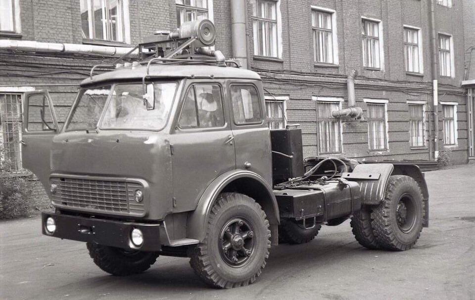 MAZ-504G