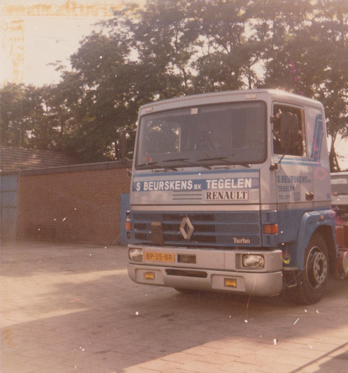 Renault--BP-35-BR--Ron-Van-Wijnhoven