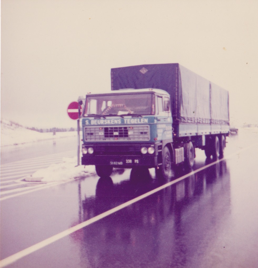 Ron-Wijnhoven-1977-onderweg-met-Pa-met-de-51-82-MB--(1)