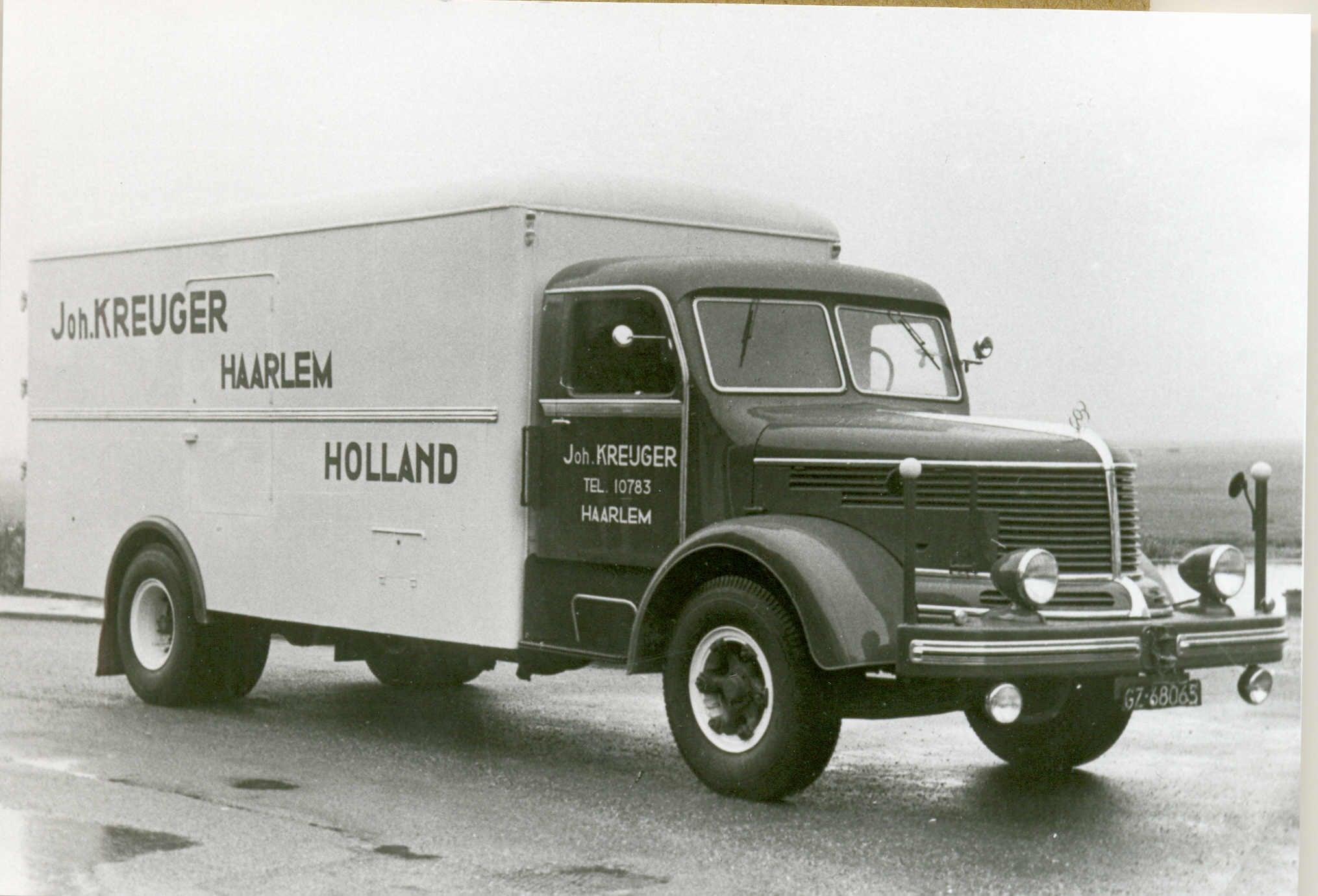 Bert-Klanderman-1e-fabrieks-nieuwe-na-de-oorlog-bij-de-firma--Krupp-Mustang--4-cyll--2-takt-diesel-145pk--2e-foto-paar-maanden-voor-z-n-pensioen--(1)