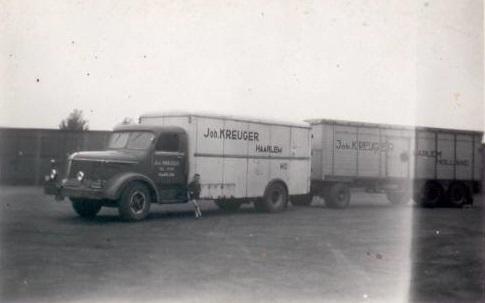 Bert-Klanderman-1e-fabrieks-nieuwe-na-de-oorlog-bij-de-firma--Krupp-Mustang--4-cyll--2-takt-diesel-145pk--2e-foto-paar-maanden-voor-z-n-pensioen--(2)