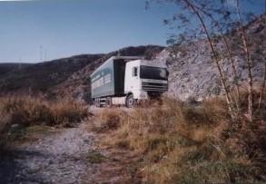 Marc-Pinoy--Almuecar-zuid-Spanje-lossen-voor-Bekaert-aan-de-tunnel-van-de-Autovia