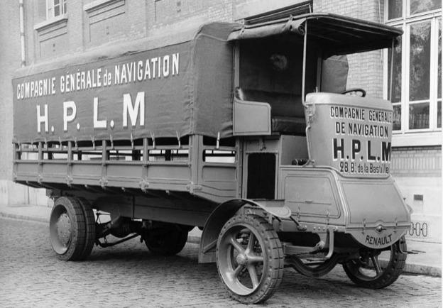 Renault-20-CV-1923-de-eerste-