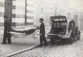 Renault-Celtaquatre-ambulance