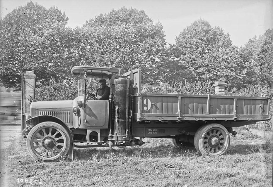 Renault-NR-9