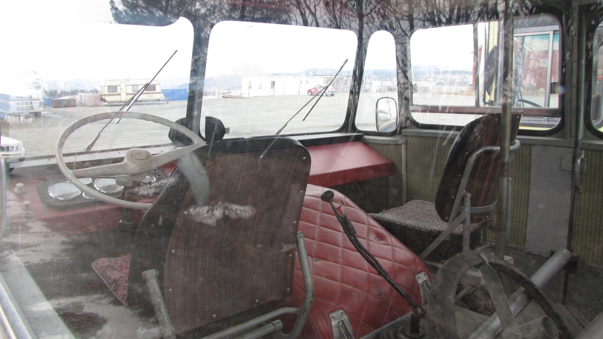 Schoolbus-en-melkvervoer-in-Noorwegen-(5)