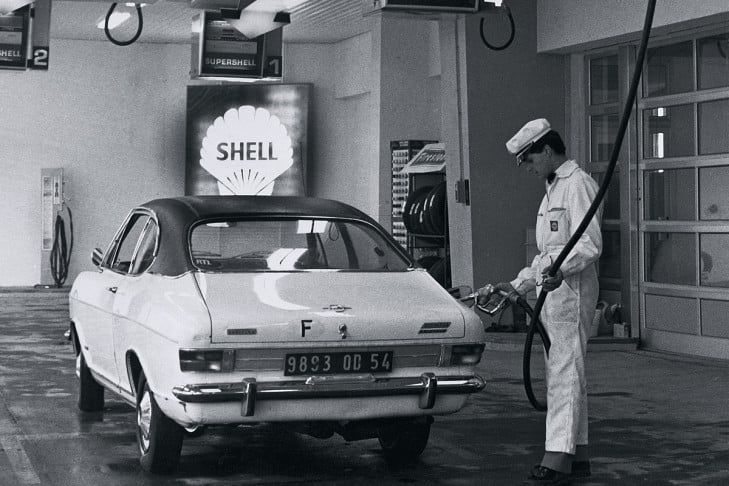 Opel-Olympia-Coupe--Shell-services