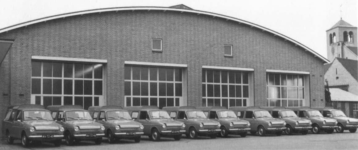 nieuwe-Dafjes-in-Maastricht-1970-services-wagens