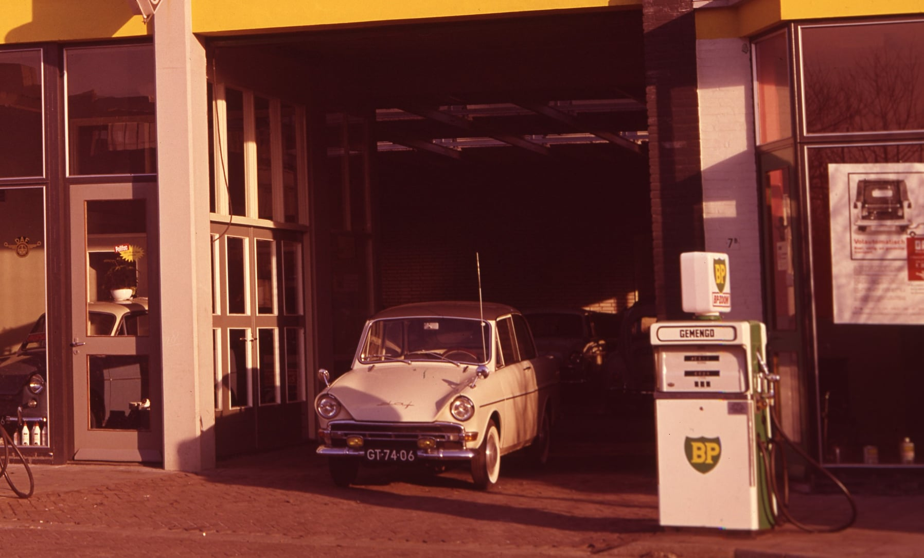DAF-Garage-de-Burgh-(6)