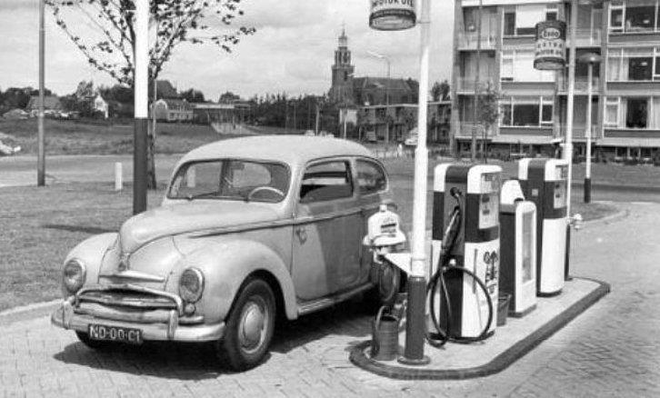 Ford-Taunus-12-m-de-1951--