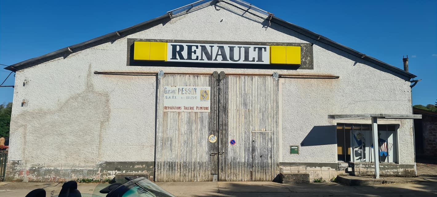 Renault--Moulins-Engilbert-Dept-58--(2)