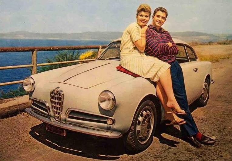 Alfa-Romeo--Giulietta-sur-la-Riviera