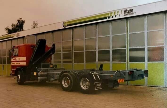 Scania-latere-glaswagen-voor-Jan-Gitmans-Harrie-Schreurs-foto