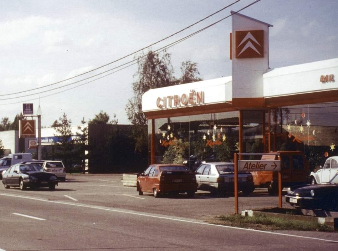 Citroen-Garage-Bal-in-Lier-1993