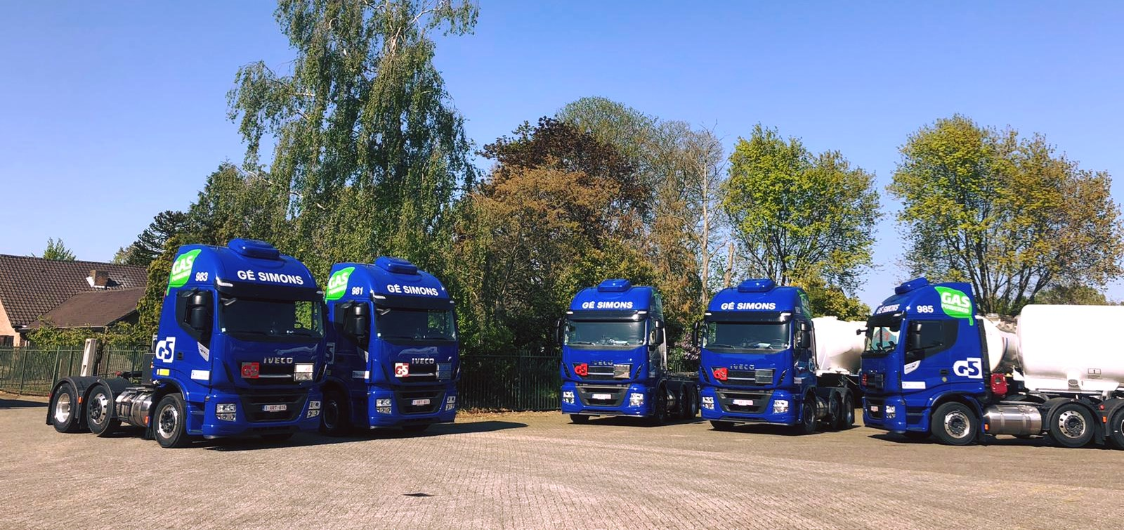 Iveco-Stralis-NP-6X2-LNG-24-6-2020-