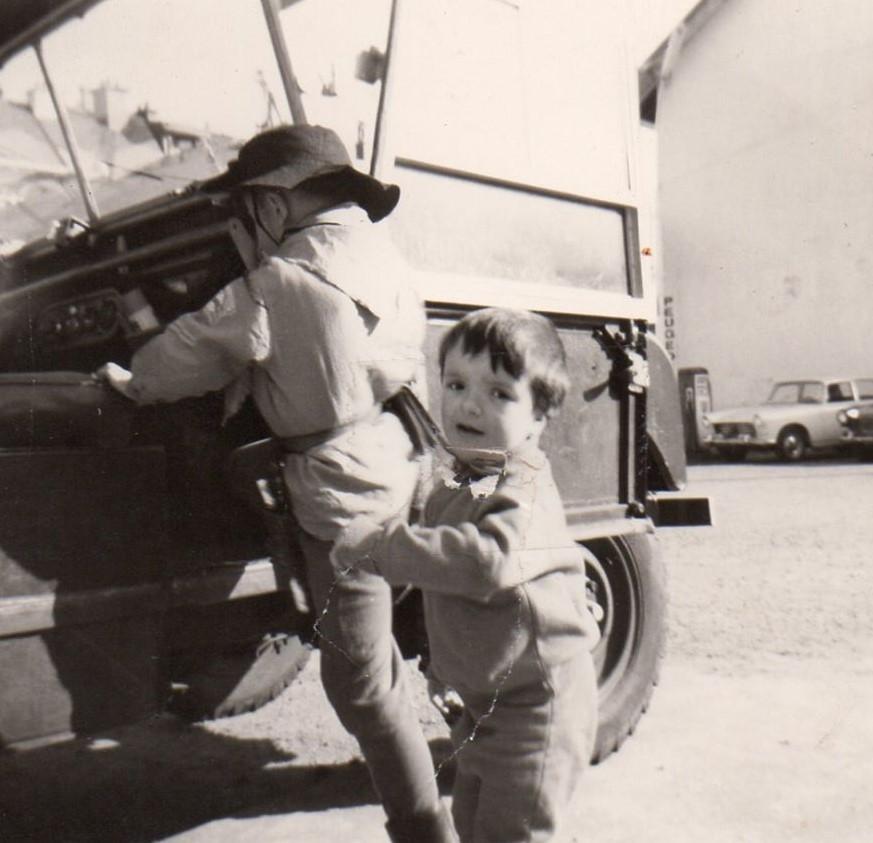 Yvon--de-takelwagen-van-garage-IMBERT-een-van-onze-favoriete-speeltuin