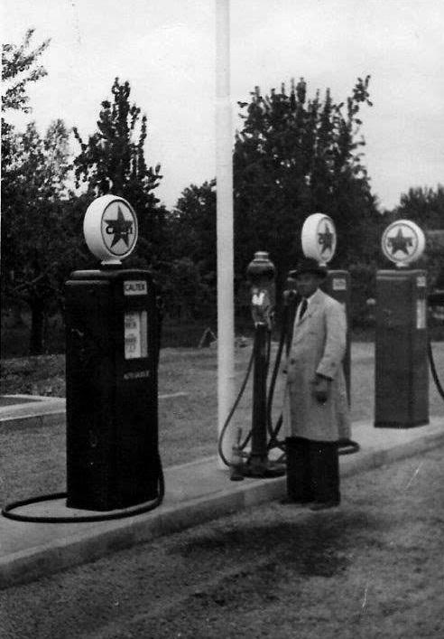 August-van-der-Cruijs-10-8-1926-tankstation