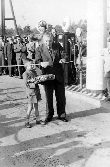 opening-1953-tankstation-withuis-1-Burgemeester-Du