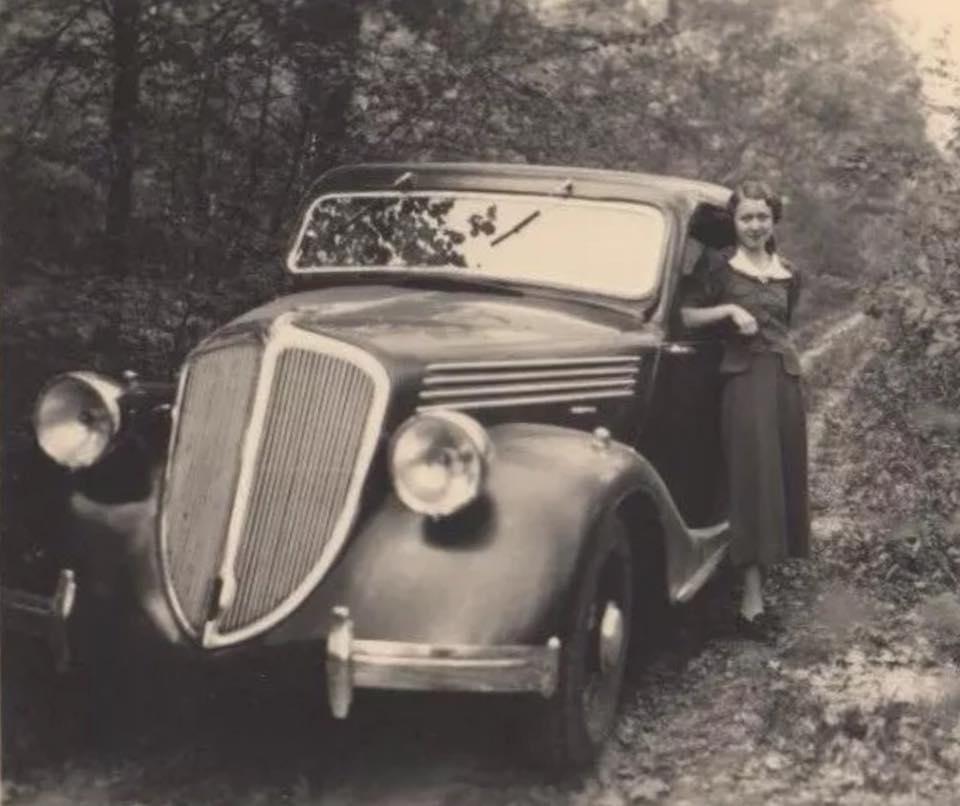 Renault-ADL-1-Vivaquatre