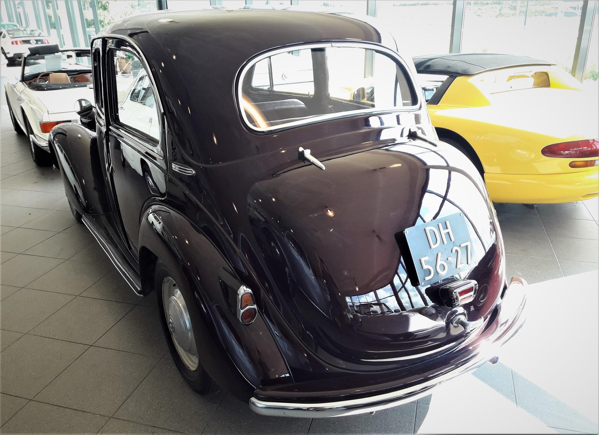 Simca-8-1200-Berline-1950-(4)
