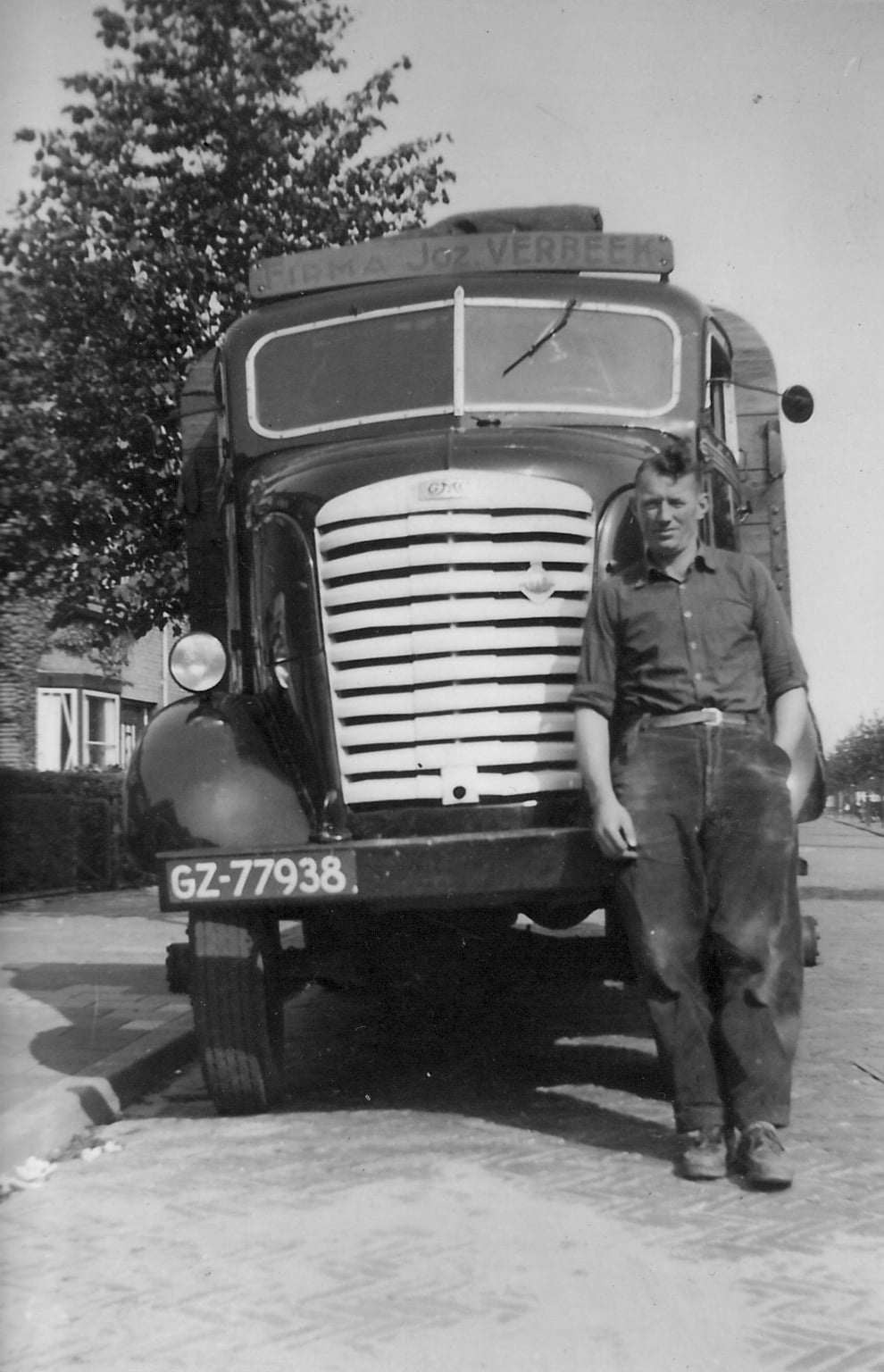 G-M-C-GZ-77938-Chauffeur-Klanderman--(1)