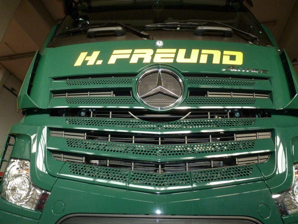 Mercedes--(2)