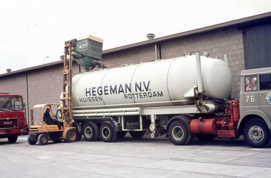 NR-76-Rotterdam-laden