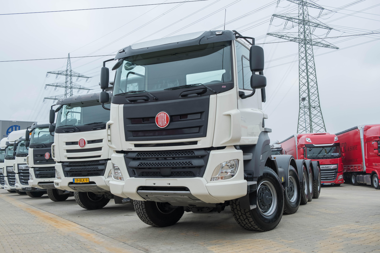 Mix-van-nieuw-geleverde-wagens-(32)