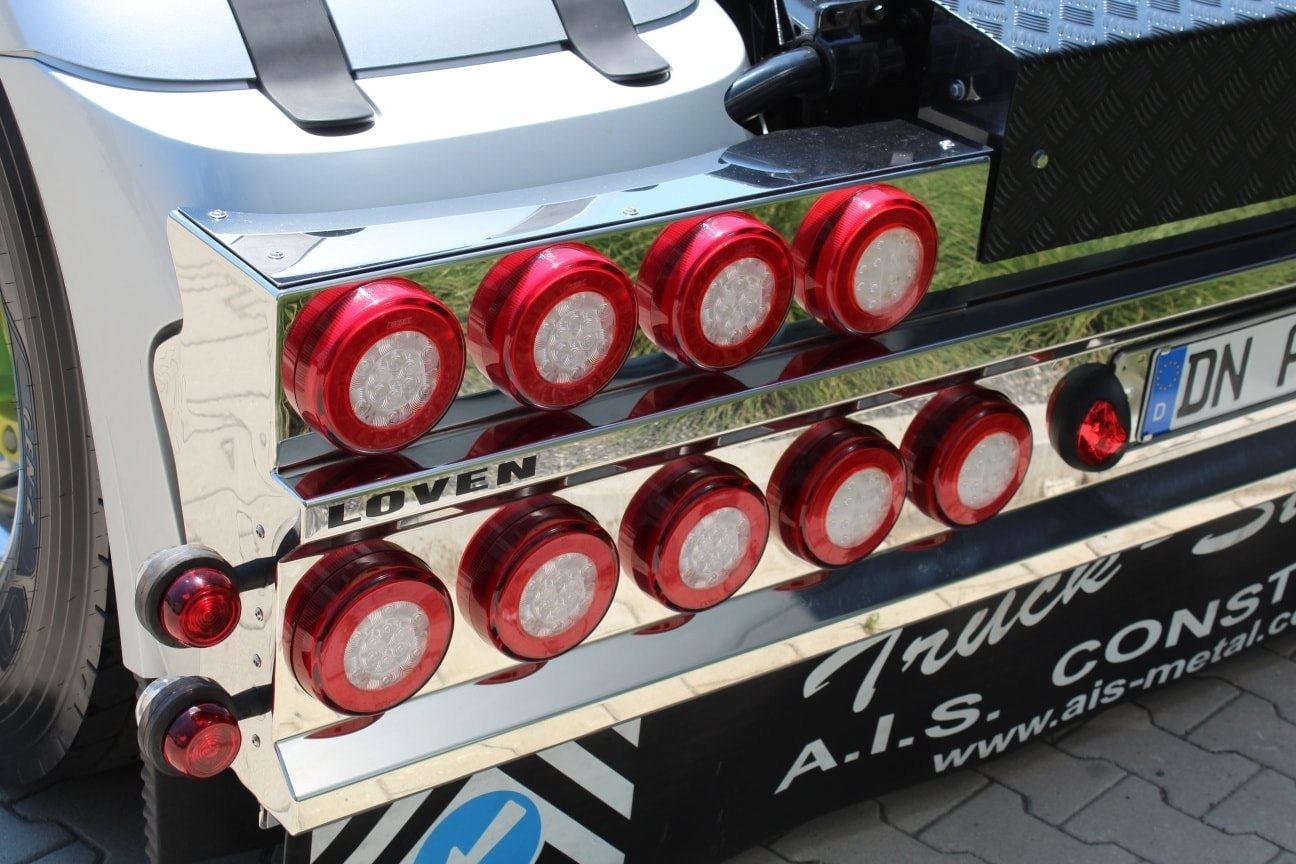 DAF-530-editie---special-loven--Space-Cab-aangekleed-met-een-Lightfix-beugel-Lightfix-Cab-liner-op-de-fenders-en-Light-Fix-Side-Bars-onder-de-side-skirts--14