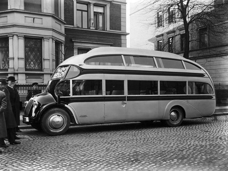 Opel-Blitz-Aero-Strassenzepp-Doppeldecker-uit-1935