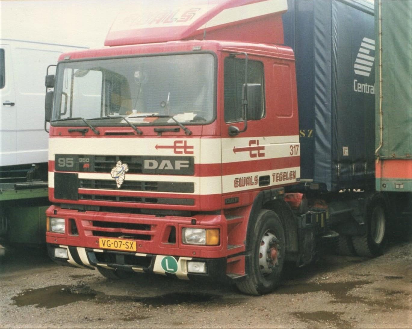 DAF-FT-95-350-ATi----317--VG-07-SX--Herman-vd-kerkhof-en-jan-janssen-uit-deurne-hebben-er-oa-mee-gereden-foto-Frank-Coumans