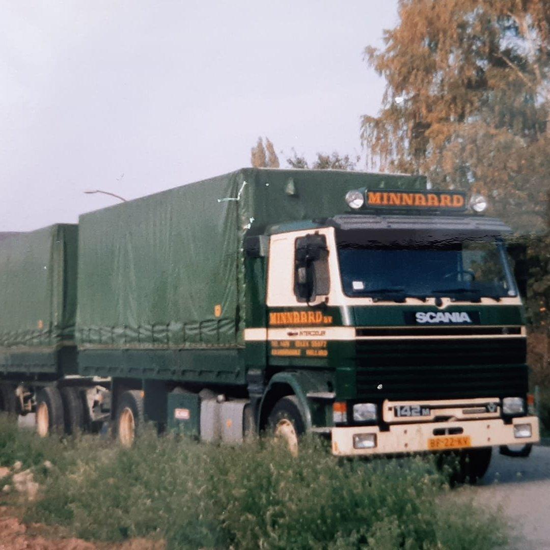Scania-142-M-chauffeur-Jaap-Houtekamer-archief