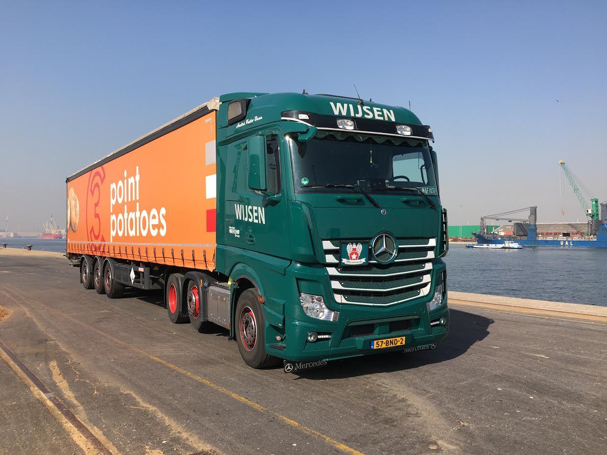 Cris-Gulikers-zijn-Mercedes-in-Antwerpen---(1)