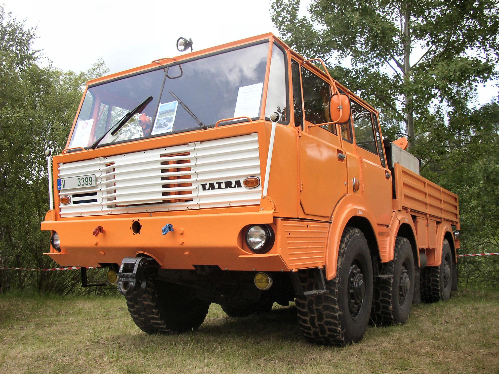 Tatra-813