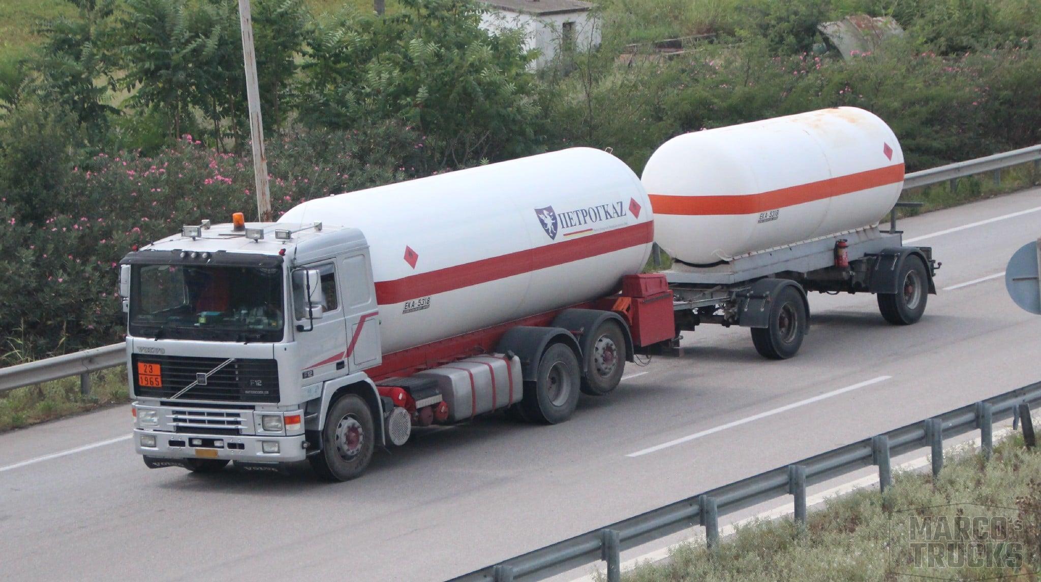 Volvo-F1`2-6X2-gas-tank