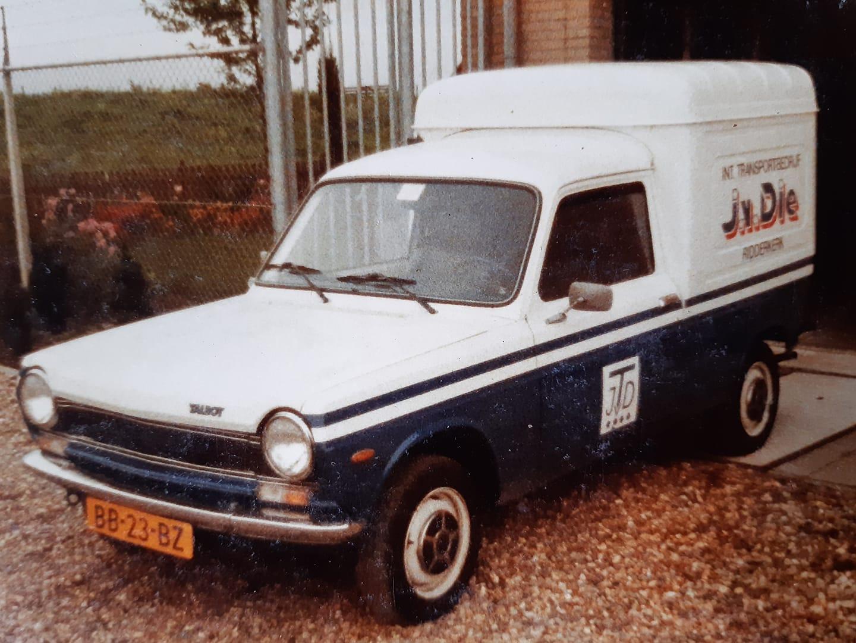 services-wagen-Simca-1100-op-gas