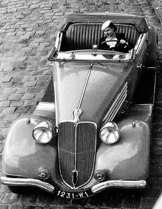 Renault-Nervasport-Cabrio-1936