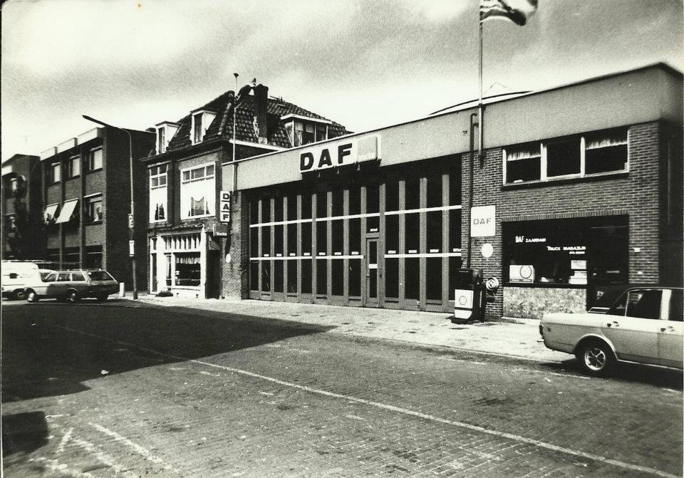 Daf-Zaandam-Vinkenstraat-Fred-Luit-archief--met-Afsleeptruck-A1300-DA-1979(3)